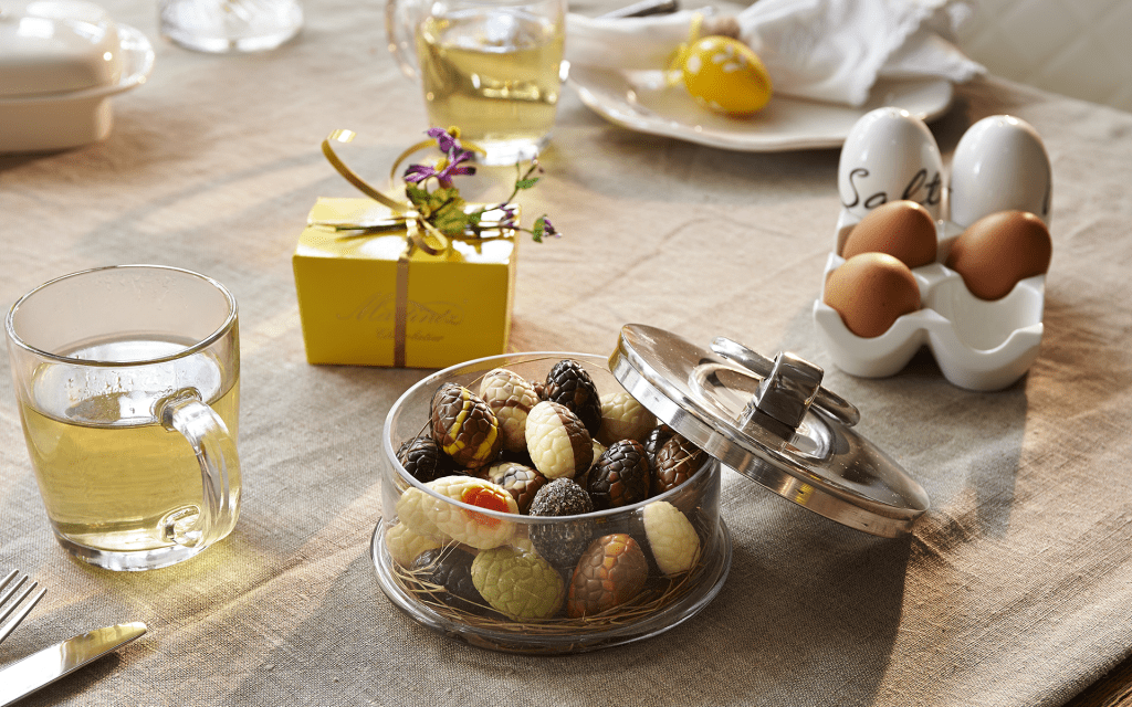Martinez chocolade paaseieren, Pasen
